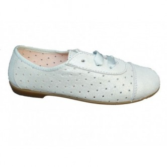 Zapato blucher serraje color plata. Efecto purpurina.Cierre cordones. QUECOS