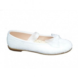 Bailarina blanca de tela de encaje. QUECOS