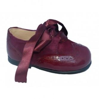 Zapato ingles piel charol y ante en color burdeos. QUECOS