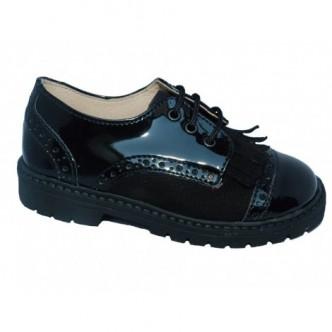 Zapatos Blucher piel Charol en color Negro. QUECOS
