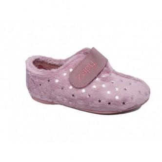 Zapatillas de casa color vino rosa. ZAPY