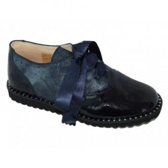 Zapatos estilo blucher de piel charol y ante color Azul Marino.QUECOS