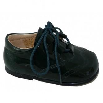 Zapatos estilo inglés piel charol en color Musgo.QUECOS