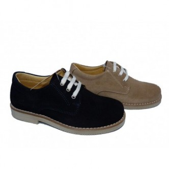Zapato piel serraje disponible color Azul Marino y color Beige. Cierre cordones.YOWAS.
