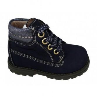 Botas de piel nobuck en color Azul Marino. YOWAS.